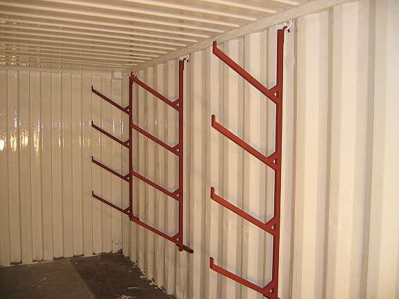 Rørhyllebraketter til container og lager. Kr 790 ,-